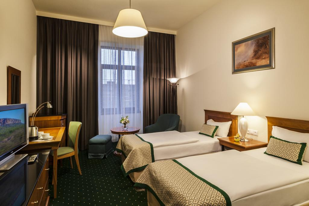 Hotel Hungaria City Center  ****