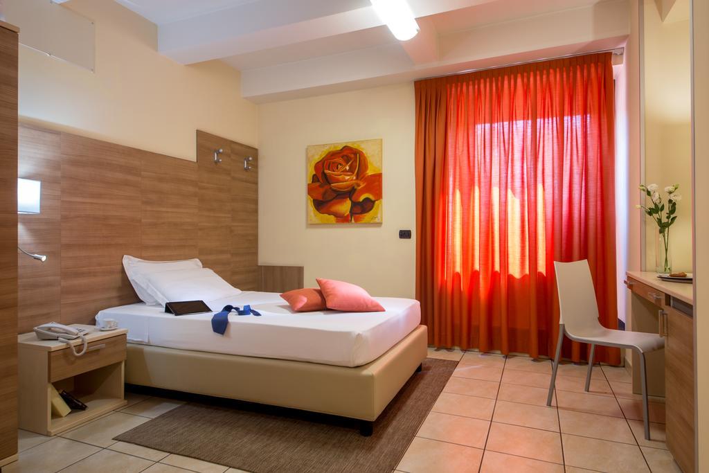 Hotel Domidea ****